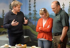 Gordon Ramsay (L) speaks to the owners of the Roosevelt Inn | Photo Credits: Jeffrey Neira/FOX