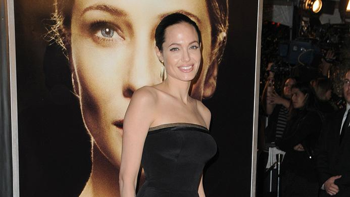 The Curious Case of Benjamin Button Premiere 2008 LA Angelina Jolie
