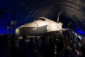 Space Shuttle Enterprise Wows New Yorkers at Intrepid Museum