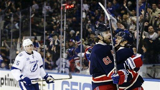 Hagelin scores 2, Rangers top Lightning 5-1