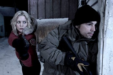 Melissa George and Josh Hartnett in Columbia Pictures' 30 Days of Night