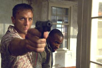 Daniel Craig as James Bond and Sebastien Foucan as Mollaka in MGM/Columbia Pictures' Casino Royale