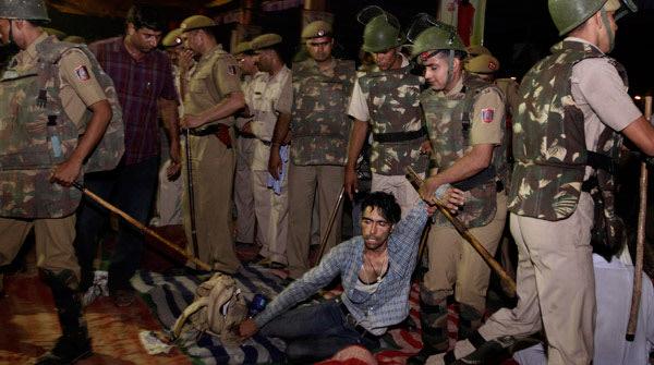Police raid Ramlila Maidan on June 5th.
