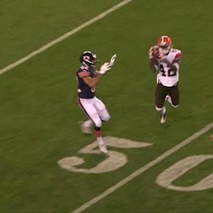 Cleveland Browns defensive back Robert Nelson picks off Chicago Bears quarterback David Fales