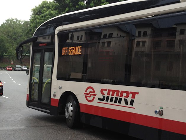 Some SMRT bus drivers feel that their Chinese colleagues should rightly be earning less than their Malaysian counterparts. (Yahoo! photo)