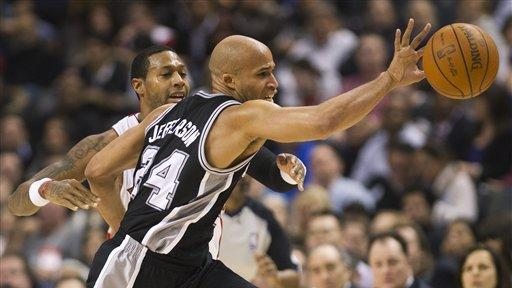 Spurs win 9th straight, beat Raptors 113-106