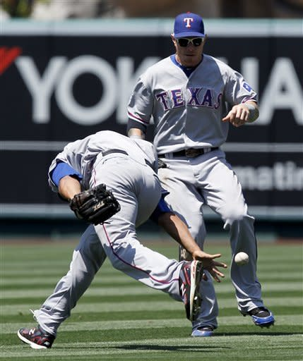 Cruz's HR helps Rangers beat Angels 7-3