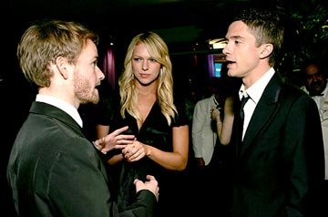 Christopher Masterson, Laura Prepon, and Topher Grace