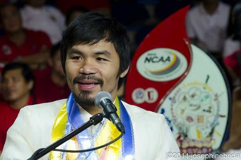 Manny Pacquiao Comes to Los Angeles for Training Camp: Fan View
