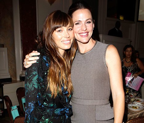 "Jessica Biel Jokes: I ""Creepily"" Want to Be Jennifer Garner"