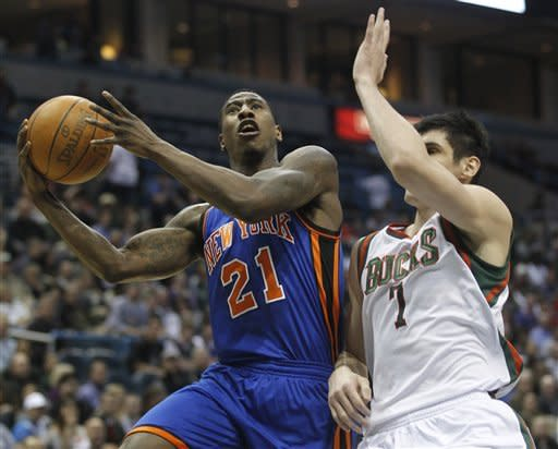 Smith hits late 3, Knicks beat Bucks 111-107