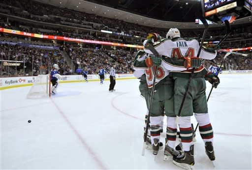 Setoguchi helps Wild to 6-4 win over Avs