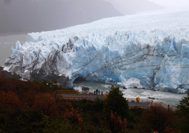 Ice dam collapses at Argentine glacier