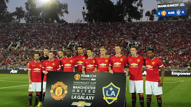 Manchester United's starting eleven players pose for a team photo ahead of kickoff againstthe LA Galaxy during their Chevrolet Cup match at the Rose Bowl in Pasadena, California on July 23, 2014