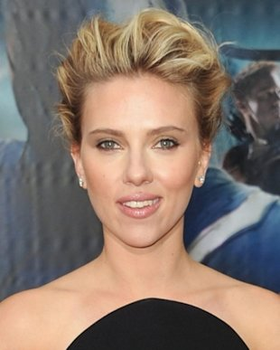 ScarJo at The Avengers premiere