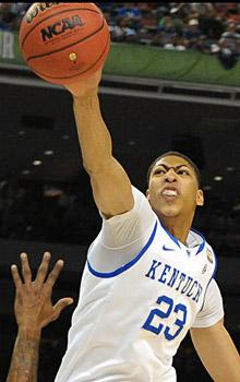 Kentucky holds off Kansas for John Calipari's first national championship