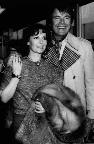 FILE - This April 1980 photo shows Hollywood film star, Natalie Wood, with her actor husband, Robert Wagner, in Los Angeles. A Los Angeles sheriff&#39;s detective said Thursday, Jan. 17, 2013, that Wagner has not consented to an interview in their renewed inquiring into Wood&#39;s 1981 drowning, but an attorney for the actor and his family says he has fully cooperated with authorities. (AP Photo, File)