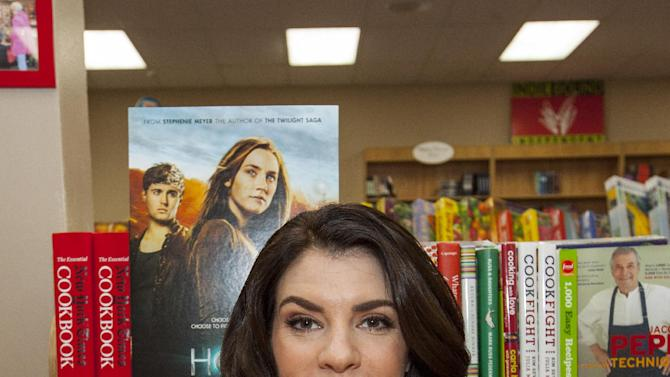 "Writer of ""The Host"" and the ""Twlight"" Saga, Stephenie Meyer, during ""The Host"" during ""The Host"" book signing at the Anderson's Bookshop on Monday, March 11, 2013, in Chicago. (Photo by Barry Brecheisen/Invision/AP)"