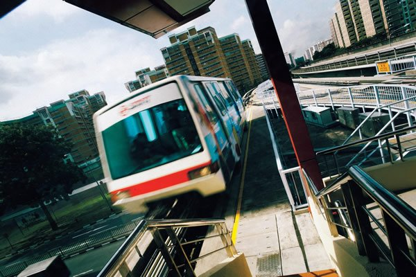Tracking Moulmein MP Lui: 1,400 affected in Bukit Panjang LRT.