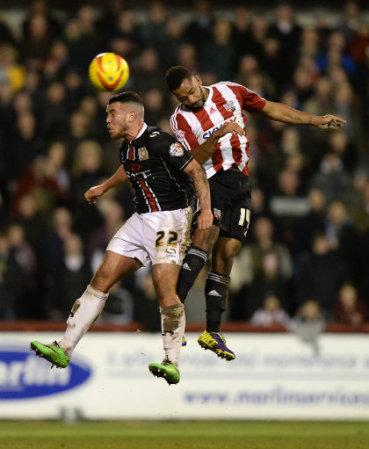 Soccer - Sky Bet League One - Brentford v Milton Keynes Dons - Griffin Park