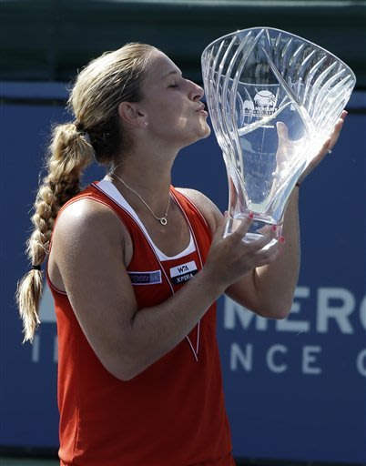 Cibulkova beats Bartoli to win Carlsbad title