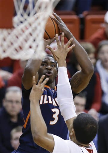 D.J. Richardson leads Illinois past Nebraska 71-51