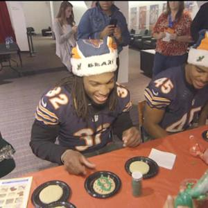 Chicago Bears throw holiday party for military families