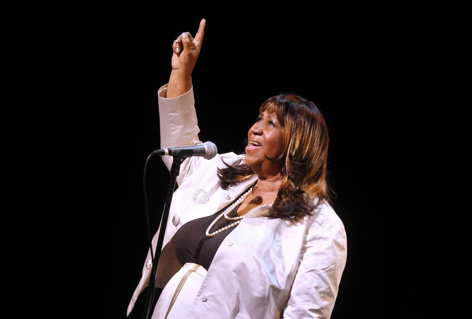 Aretha Franklin performs during A Tribute to Marvin Hamlisch, a memorial concert, at The Juilliard School's Peter Jay Sharp Theater, Tuesday, Sept. 18, 2012 in New York. (Photo by Jason DeCrow/Invision/AP Images)