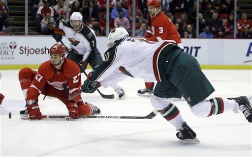 Bertuzzi scores 2 in Red Wings' 5-3 win over Wild