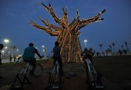 &lt;p&gt;South Africans light up a Baobab tree by riding bikes in Durban in 2011 as part of a renewable energies display on the beach front during the UN Climate Change Conference (COP17). Climate change caused by global warming is freezing the world economy, a report commissioned by 20 of the world&#39;s most vulnerable countries said Wednesday.&lt;/p&gt;