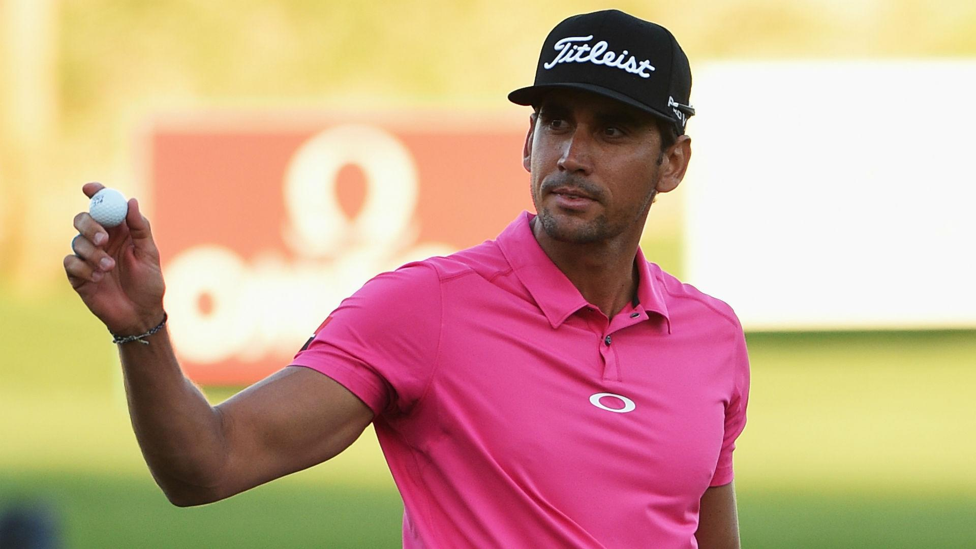 Cabrera-Bello leads in Dubai, Els banishes yips