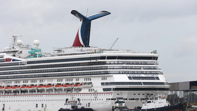 Crews corral cruise ship that tore loose in Ala.