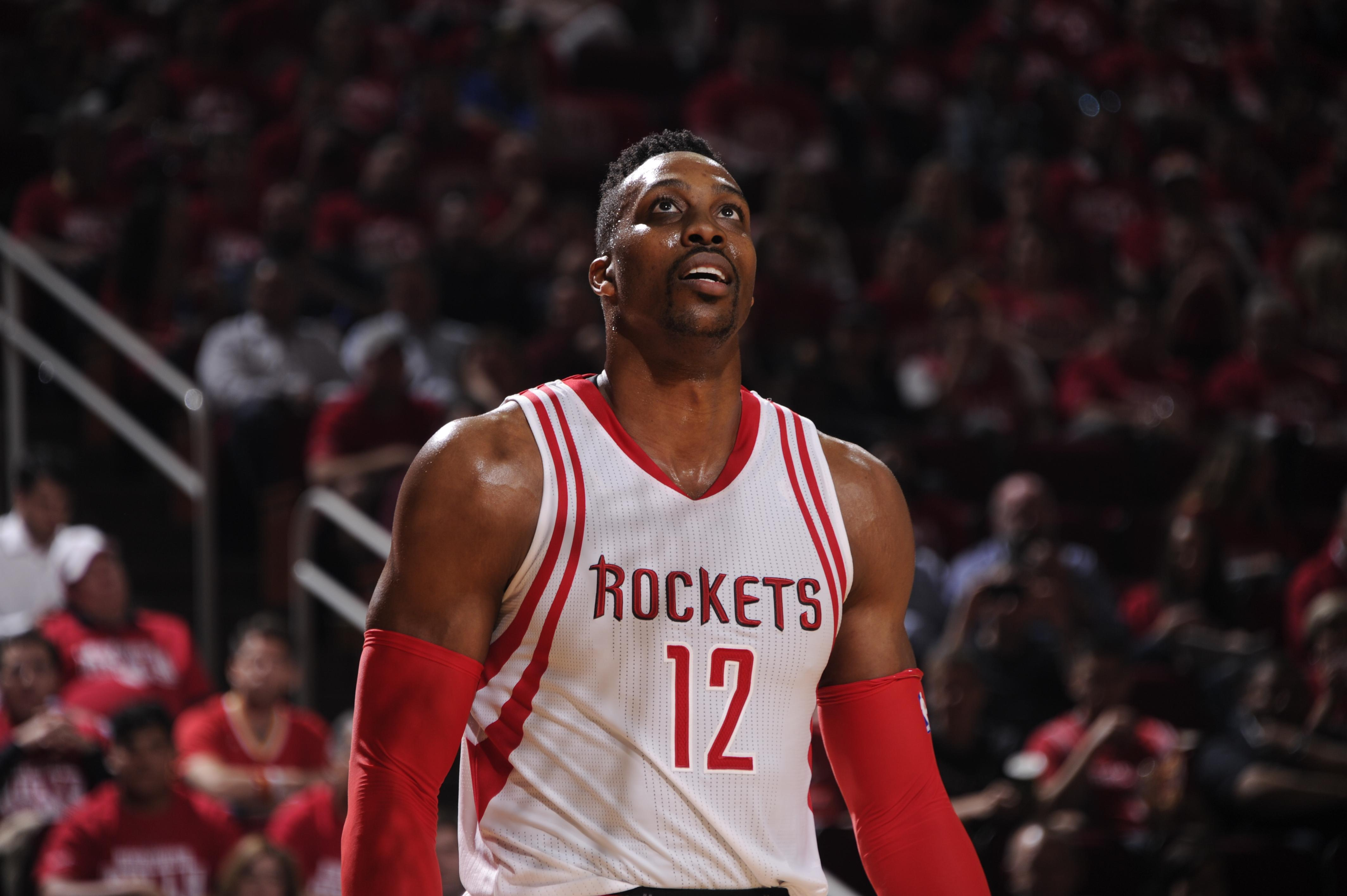 Sources: Dwight Howard, Hawks agree to deal