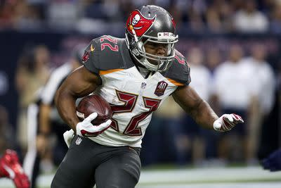 Doug Martin practices Friday, remains an iffy option for fantasy owners