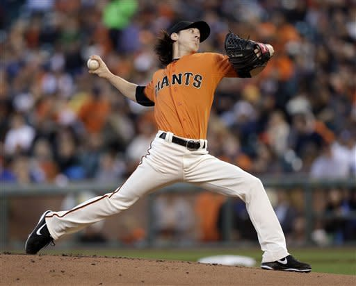 Scutaro delivers for Giants in win over Dodgers