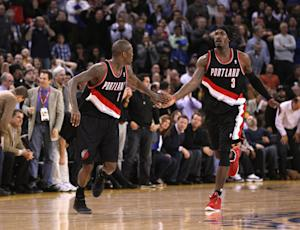 Crawford's clutch shots lift Blazers over Warriors