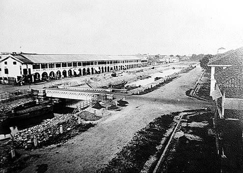 Công trường xây dựng phố Charner trên kênh trung tâm (1866).