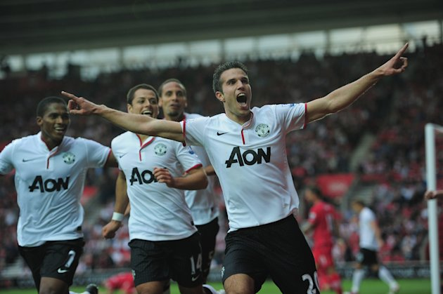 SOUTHAMPTON, ENGLAND - SEPTEMBER 02: Robin Van Persie of Manchester United celebrates the winning goal during the Barclays Premier League match between Southampton and Manchestrer United at St Mary's Stadium on September 2, 2012 in Southampton, England. (Photo by Jamie McDonald/Getty Images)