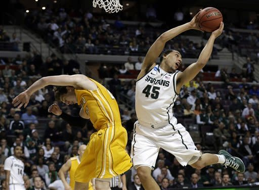 3rd-seeded Michigan State beats No. 14 Valpo 65-54