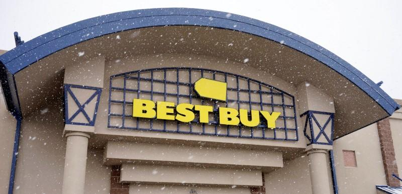 Best Buy warns of profit hit as it consolidates Canadian stores