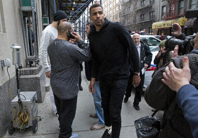 Defense lawyer: White NYC officer targeted black NBA player