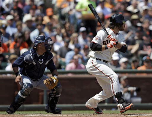 Bumgarner strikes out 11, Giants rout Braves 10-1
