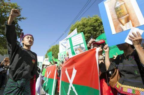 Myanmar holds peace talks with ethnic groups