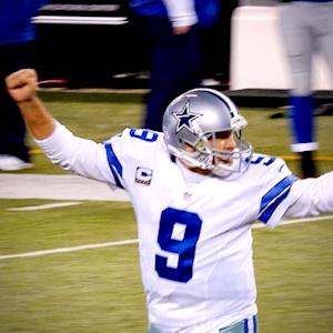 Dallas Cowboys quarterback Tony Romo, Philadelphia Eagles quarterback Mark Sanchez seek more than a victory