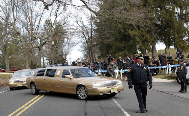 e635999f0b36a905070f6a7067005b96 - Whitney Houston laid to rest at private NJ burial