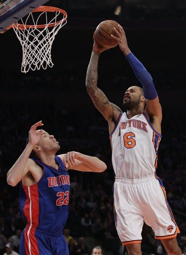 Knicks bounce back with another rout of Pistons