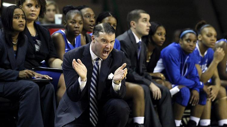 Kentucky head coach Matthew Mitchell instructs his team during the first half of an NCAA women's college basketball game against Baylor, Tuesday, Nov. 13, 2012, in Waco, Texas. (AP Photo/Tony Gutierrez)