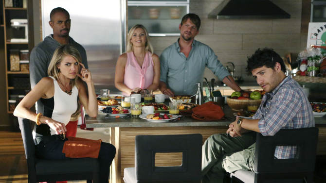 "This image released by ABC shows cast members, clockwise from foreground left, Eliza Coupe, Damon Wayans Jr., Elisha Cuthbert, Zachary Knighton and Adam Pally in a scene from the comedy series ""Happy Endings."" The new season of the comedy premieres on Oct. 23 at 9:00p.m. EST on ABC. (AP Photo/ABC, Adam Taylor)"