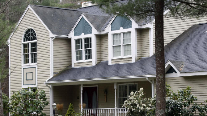 This Friday, April 19, 2013 photo shows the home of Katherine Russell's parents in North Kingstown, R.I.  Russell, widow of Boston Marathon bombing suspect Tamerlan Tsarnaev, has been staying there.  FBI agents visited the home Monday, April 29, 2013, and carried away several bags. (AP Photo/Joe Giblin)