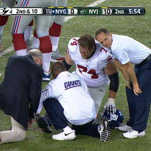 New York Giants offensive guard Geoff Schwartz leaves game with knee injury